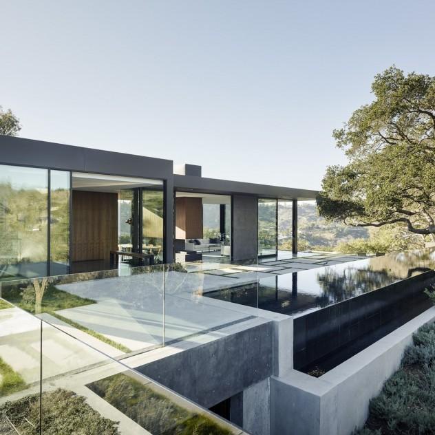 Το Oak Pass Main House στο Beverly Hills υποτάσσεται απόλυτα στο φυσικό του περιβάλλον