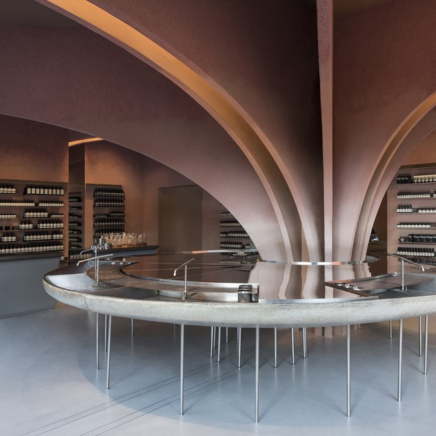 Στα χνάρια του James Bond το νέο Aesop flagship store στο Λονδίνο