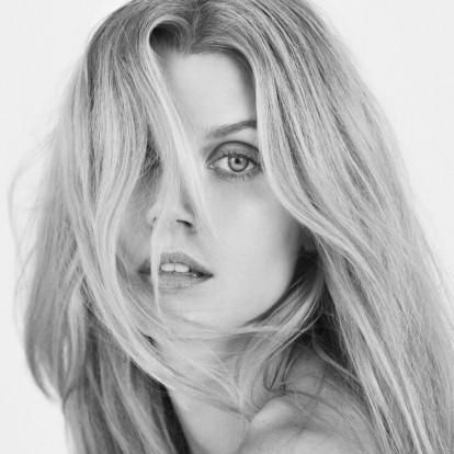 Hair detox: 5 βήματα για υγιή και δυνατά μαλλιά