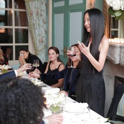 Η Vera Wang σχεδιάζει για το Ladurée τη γαμήλια τούρτα των ονείρων σας