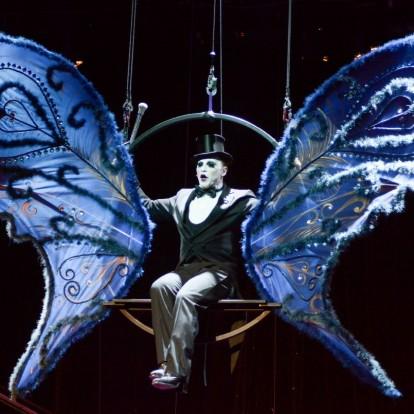 Λαμπερή πρεμιέρα για το μιούζικαλ Cabaret στο Θέατρο Παλλάς