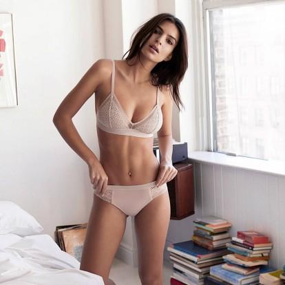 8 συνήθειες της Emily Ratajkowski για ένα τέλειο σώμα
