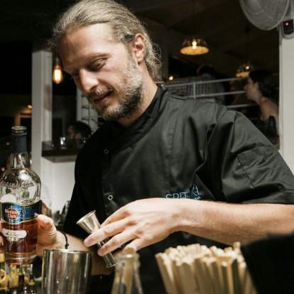 Let's talk about: Ο Γιάννης Κέδες μιλάει για τα ανοιξιάτικα cocktails
