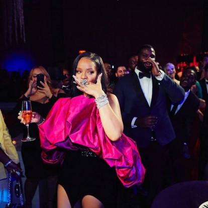 Πιο λαμπερή από ποτέ η Rihanna στα 30α γενέθλιά της