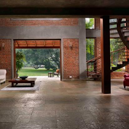 Mango house: Μια ανοιχτή κατοικία σ' έναν παραδεισένιο κήπο γεμάτο καρπούς
