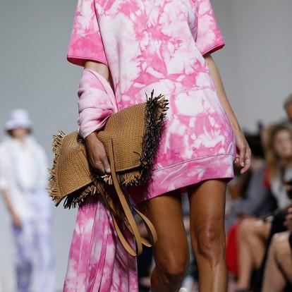 Τα bag trends που ξεχώρισαν στις ανοιξιάτικες πασαρέλες