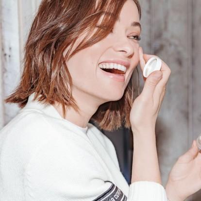 Πώς να προετοιμάσετε το δέρμα σας πριν από μία έξοδο