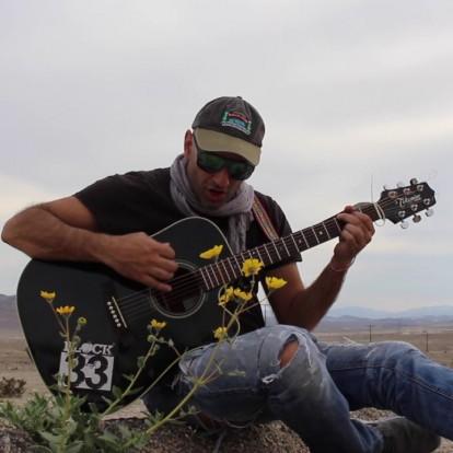 Νικόλαος Δημητριάδης: Μουσική, θρησκεία, οικολογία και χαμόγελα