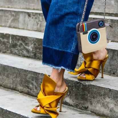 Δείτε πώς θα φορέσετε τα hot παπούτσια της άνοιξης