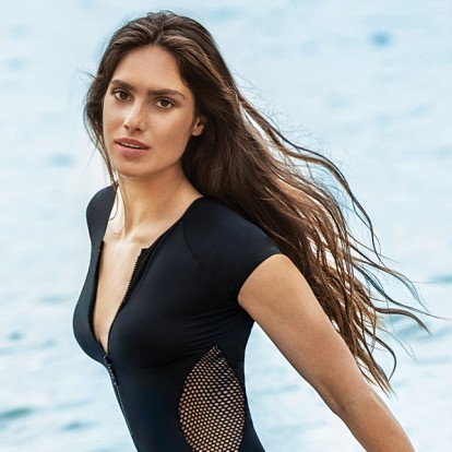 Έφη Βράκα: Surf Beauty