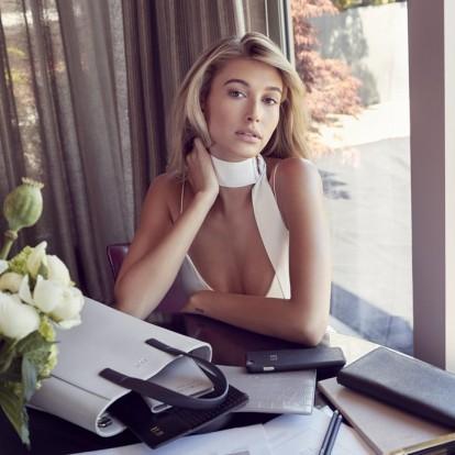 Αποκτήστε εύκολα τη λάμψη της πανέμορφης Hailey Baldwin