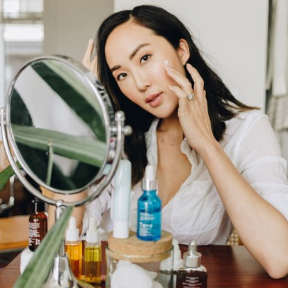 4 κοινά λάθη στη ρουτίνα ομορφιάς που σαμποτάρουν το δέρμα σας