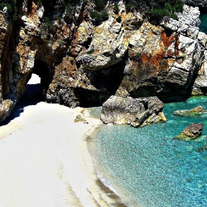 Οι πιο όμορφες παραλίες που πρέπει να επισκεφθείτε στο Πήλιο