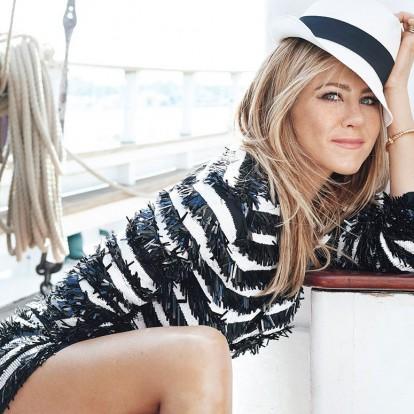 Ανακαλύψτε τη fashion βίβλο της αξεπέραστης Jennifer Aniston