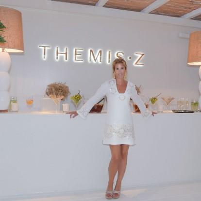 Λαμπερό opening για την boutique Themis•Z στη Μύκονο