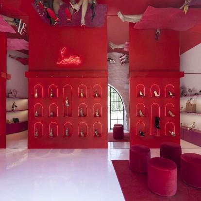 Στα εγκαίνια του νέου Pop Up Store του Christian Louboutin στη Μύκονο