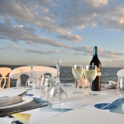 5+1 στέκια στη Θεσσαλονίκη για θαλασσινά δίπλα στο κύμα