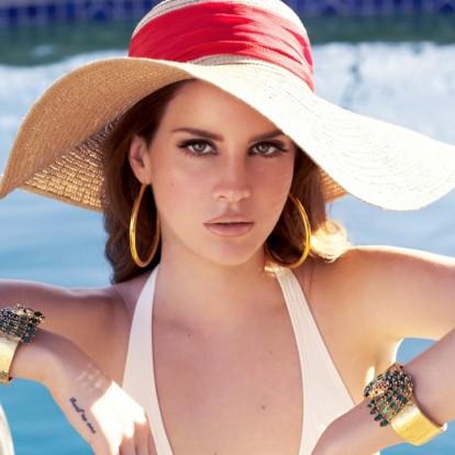 5 τρόποι να κάνετε styling στα μαλλιά σας φορώντας ψάθινο καπέλο