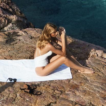 4 μυστικά για να δείχνουν τα πόδια σας τέλεια με πέδιλα
