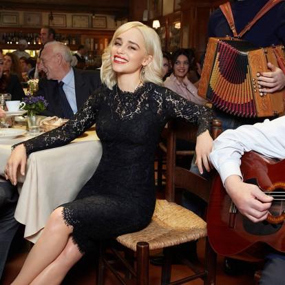 Μία νύχτα στη Ρώμη με την ηθοποιό Emilia Clarke