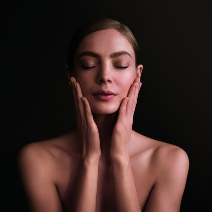 7 skincare συνήθειες που κάθε γυναίκα πρέπει να υιοθετήσει πριν τα 30