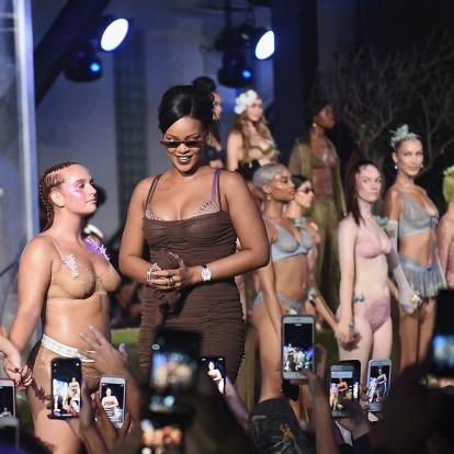 Η Rihanna αποθέωσε τις γυναίκες στο πρώτο Savage x Fenty show