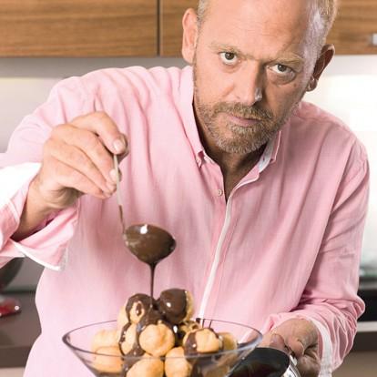 Σοκολατένια γλυκά με την υπογραφή του Στέλιου Παρλιάρου