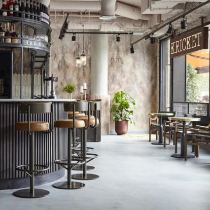 Ξενάγηση σ' ένα καινούριο κι εντυπωσιακό εστιατόριο στο Λονδίνο