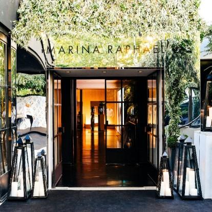 Marina Raphael: Ένας κόσμος γεμάτος λάμψη και κομψότητα