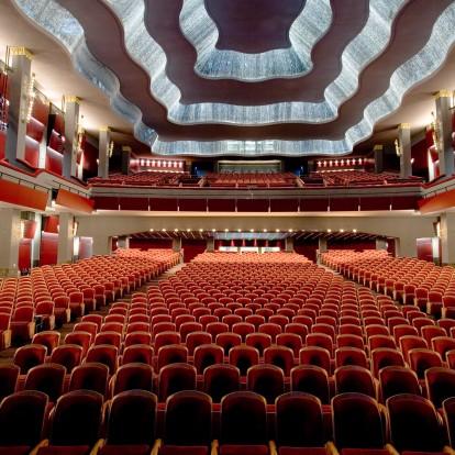 4 θεατρικές παραστάσεις στην Αθήνα που δεν πρέπει να χάσετε