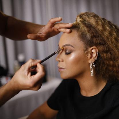 Διάσημοι makeup artists αποκαλύπτουν τα μυστικά ομορφιάς πανέμορφων stars