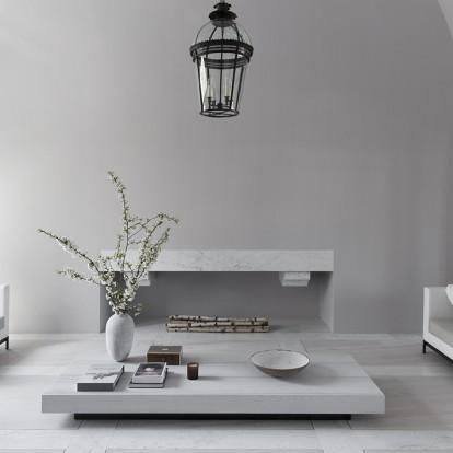 Ένα παριζιάνικο διαμέρισμα αναδεικνύει την υπέροχη κομψότητα του λευκού