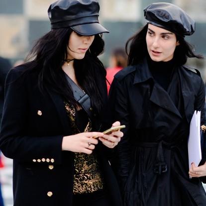 1a8300347c Τα πιο στιλάτα καπέλα που θα σας κρατήσουν ζεστές με fashionable τρόπο