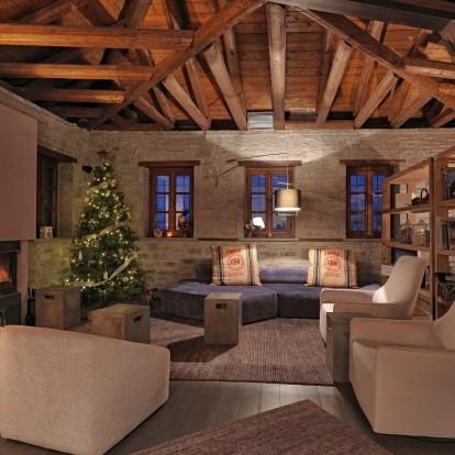 Δύο προτάσεις φιλοξενίας στην Ελλάδα που θα κάνουν τα Χριστούγεννα αξέχαστα