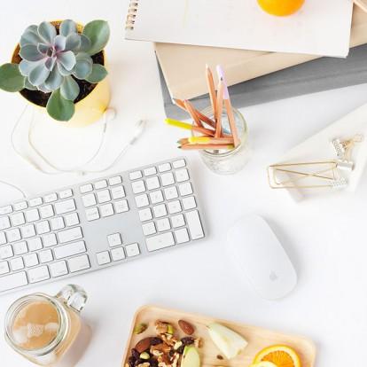 Τα healthy snacks που πρέπει να έχετε πάντα στο γραφείο σας