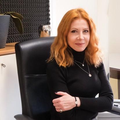 Η Ριάννα Χάιτα μας συστήνει την πρώτη ελληνική φιλανθρωπική πλατφόρμα Mia Ora