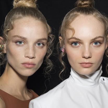 12 μάσκες ομορφιάς που υπόσχονται να κάνουν τους πόρους σας αόρατους