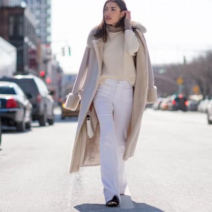 Φορέστε σωστά το λευκό τζιν και θα ξεχάσετε τα κλασικά blue jeans