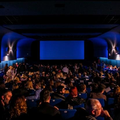 Η Ευνοούμενη: Μεγάλη πρεμιέρα για την οσκαρική ταινία του Γιώργου Λάνθιμου