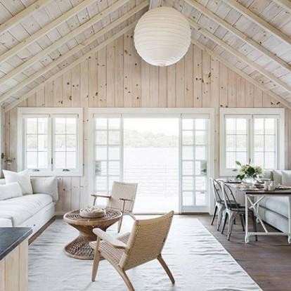 Ένα φωτεινό lake house στο Κονέκτικατ που θα σας μείνει αξέχαστο