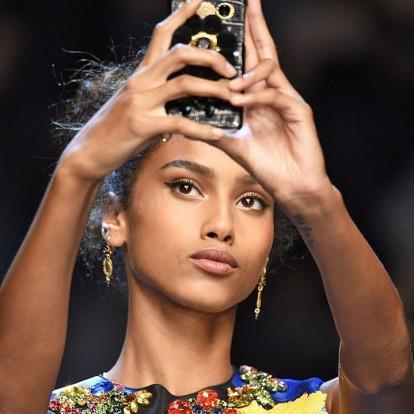 Αυτά τα 6 foundations υπόσχονται να απογειώσουν τις selfies σας