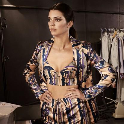 H Kendall Jenner αποκαλύπτει όλα τα καλλυντικά του νεσεσέρ της