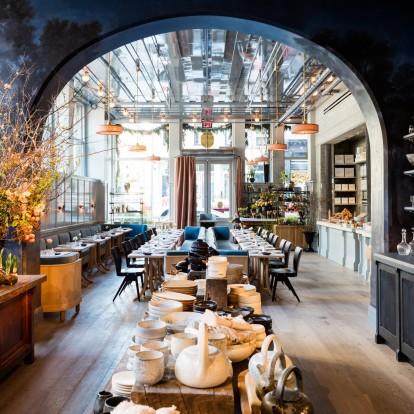 Ένα εστιατόριο στη Νέα Υόρκη που μοιάζει με κήπο θα σας συναρπάσει