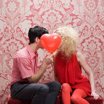 Άνδρες & γυναίκες: Πόσο διαφορετικά εκφράζουν τα συναισθήματά τους;