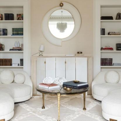 Περιηγηθείτε στο κομψό και φωτεινό, vintage διαμέρισμα ενός συγγραφέα