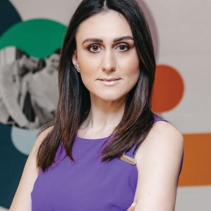 Η Σταυριάνα Μπακατσέλου περιγράφει το σύγχρονο πρόσωπο της Αρωγής