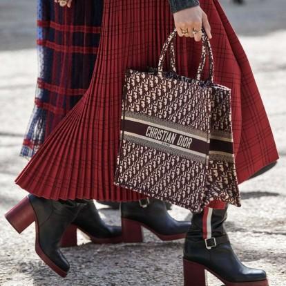 Ανακαλύψτε πως φτιάχνεται η περίφημη Dior Tote Bag