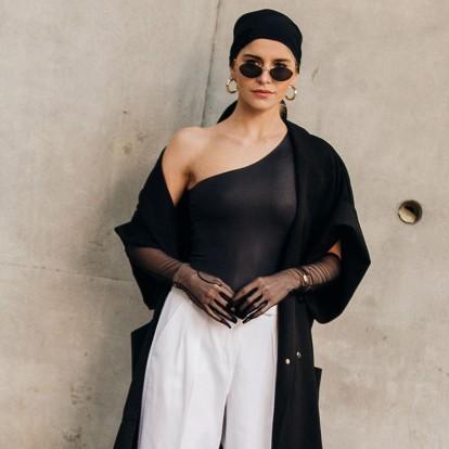 Το μαντήλι δεν πάει μόνο στα μαλλιά: Οι πιο στιλάτοι τρόποι για να το φορέσετε
