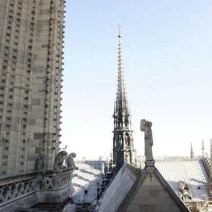 Παναγία των Παρισίων: Μυθικά ποσά από διάσημα brands για την ανακατασκευή της