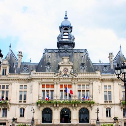 Ανακαλύψτε μια παραμυθένια πόλη στη Γαλλία που ίσως να μη γνωρίζατε